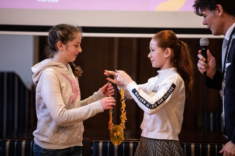 Vandaag vrijdag 25 januari is in het Stadhuis van Breda de nieuwe  Kindercultuurnachtburgemeester gekozen. Lisa Gaal van OBS de Springplank  kreeg de keten ...